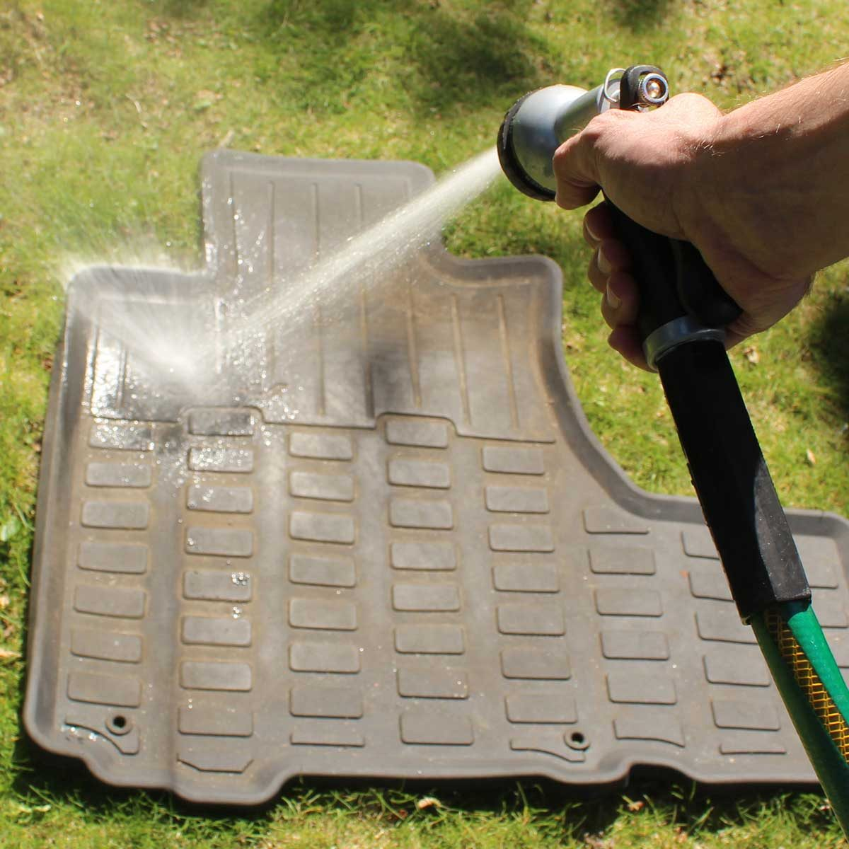Spraying floor mats