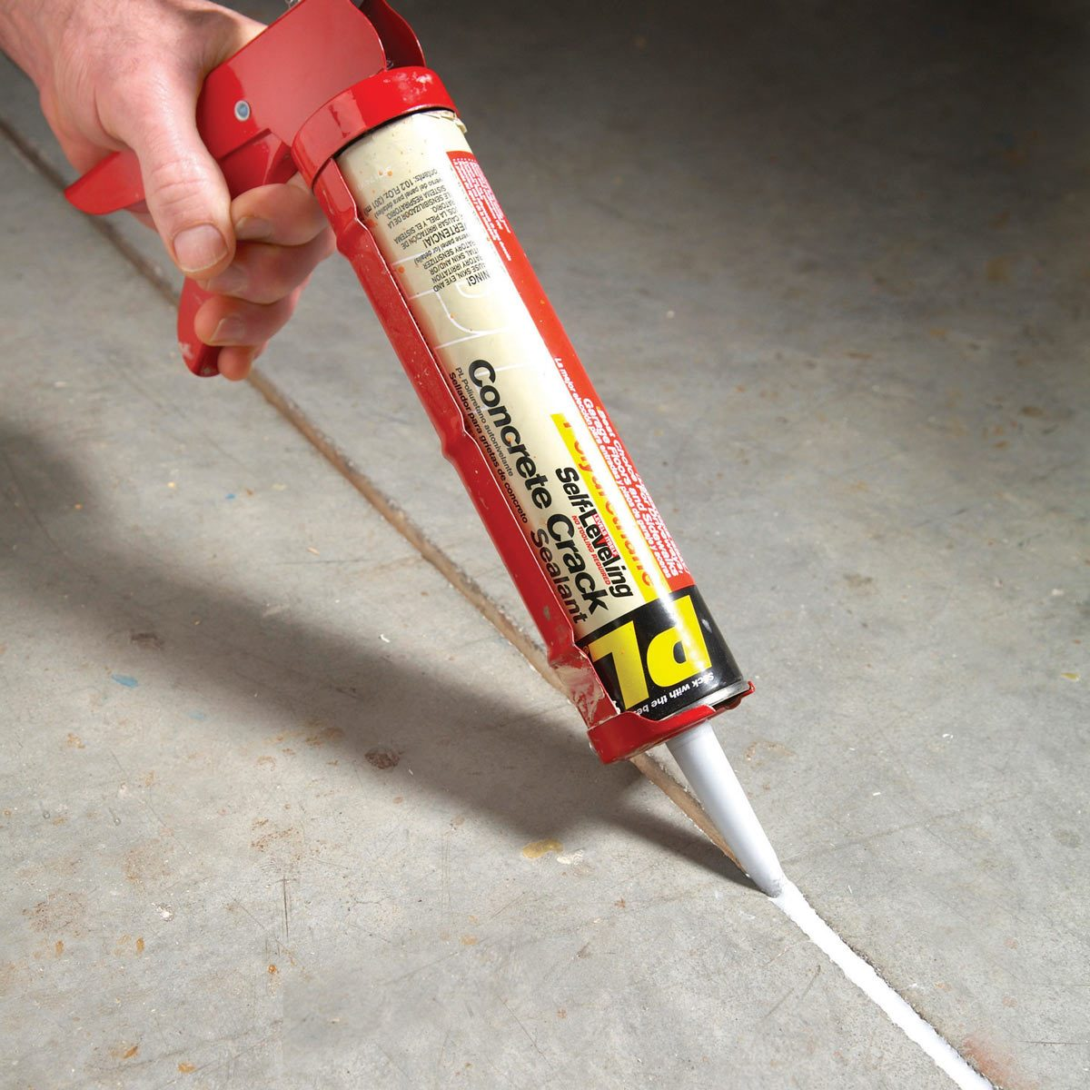 Self-leveling caulk