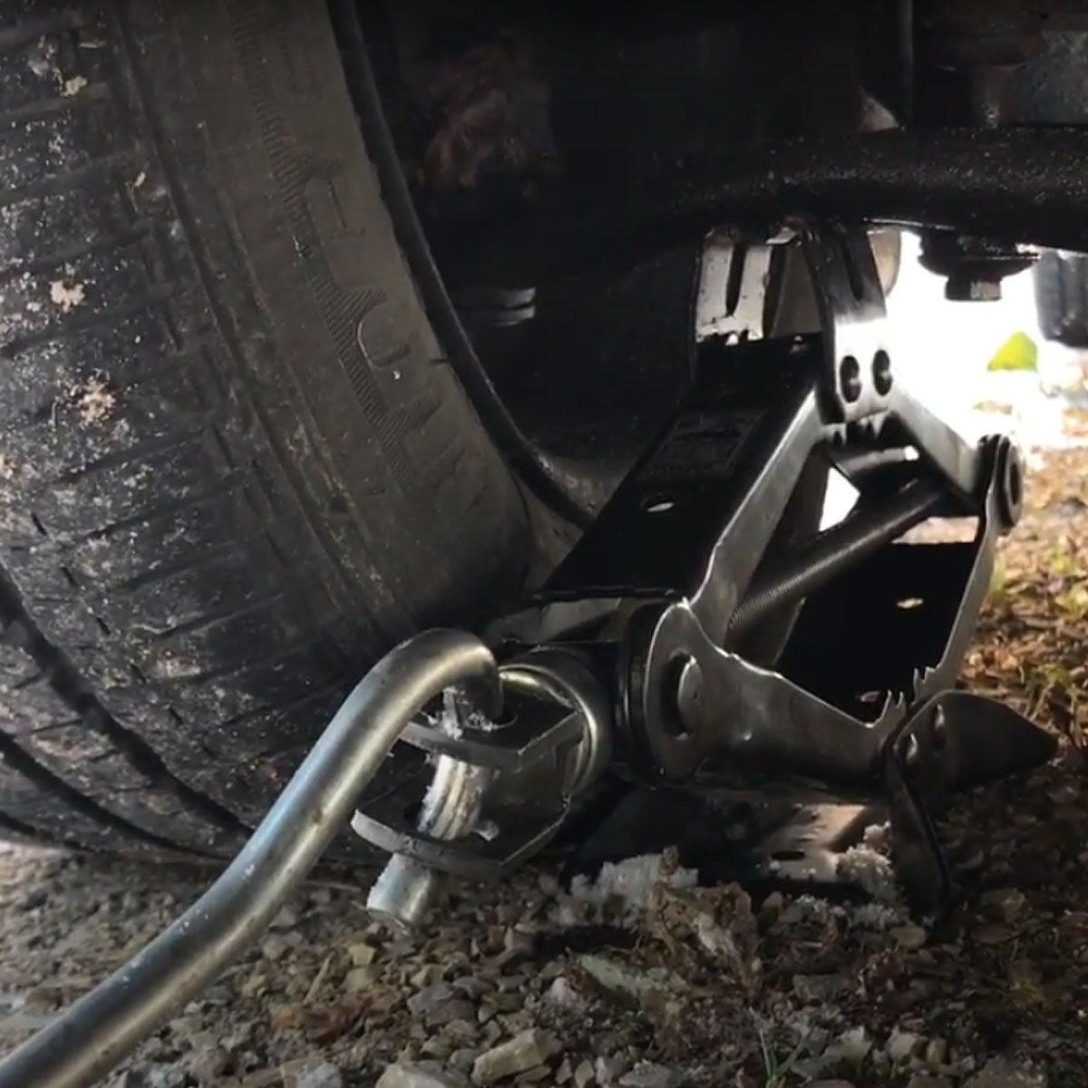 Prepare to remove wheels