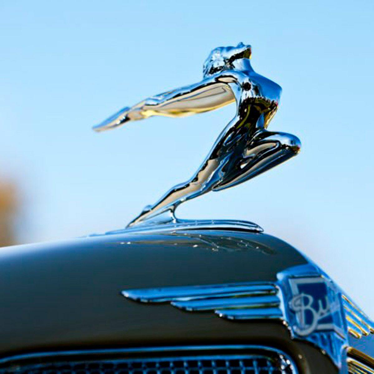 car hood ornament