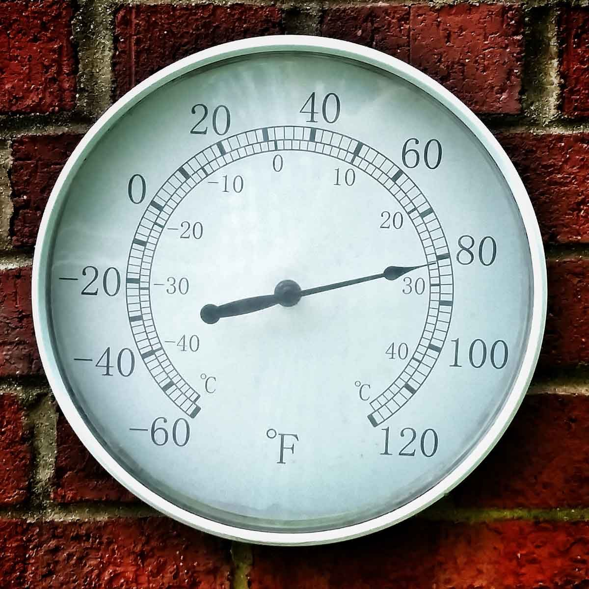 Thermometer showing 80 degrees