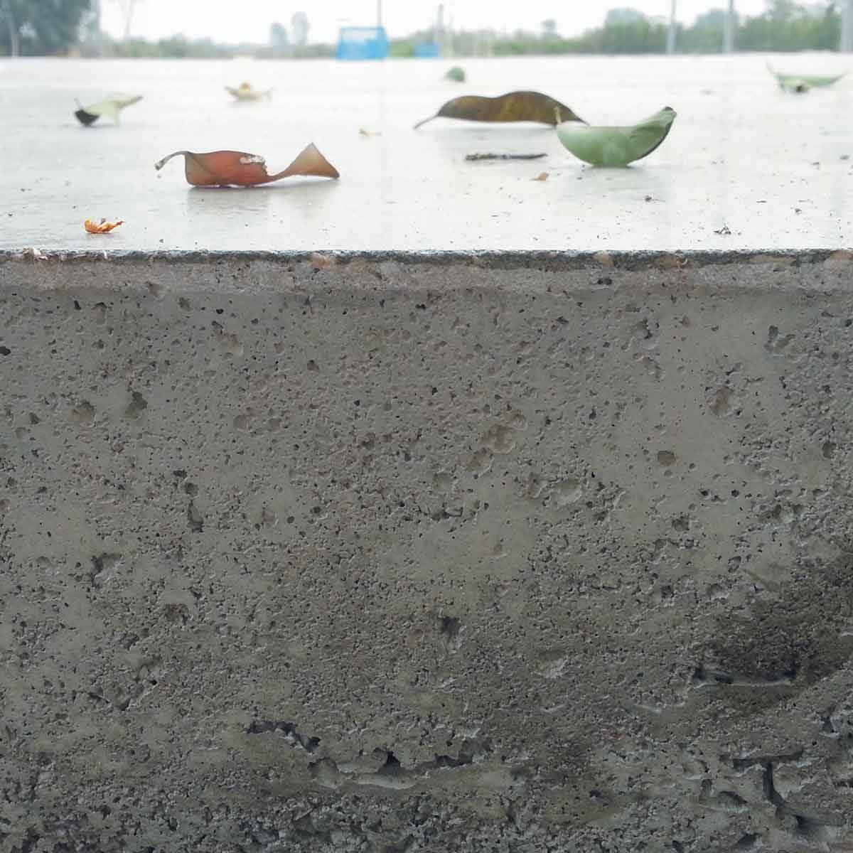 Thick concrete slab