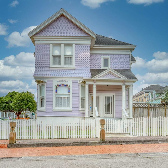 victorian home architectural style