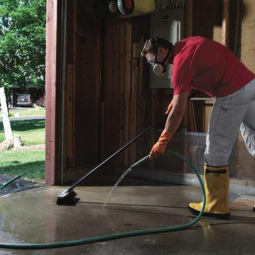 Removing concrete stains