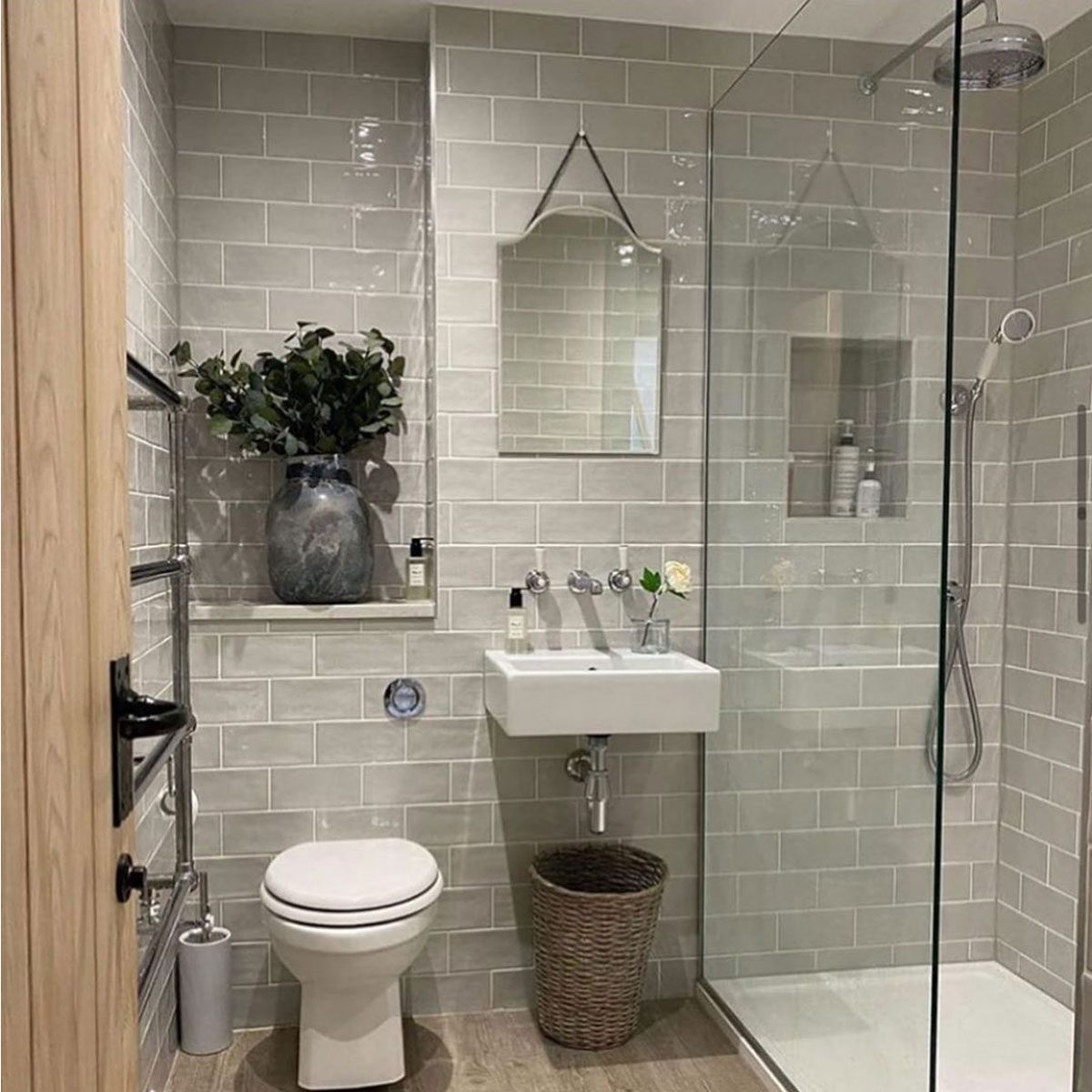 bathroom grey tile