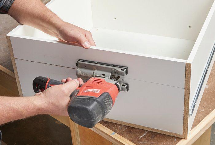 Cut drawer back Fh21mar 608 51 019