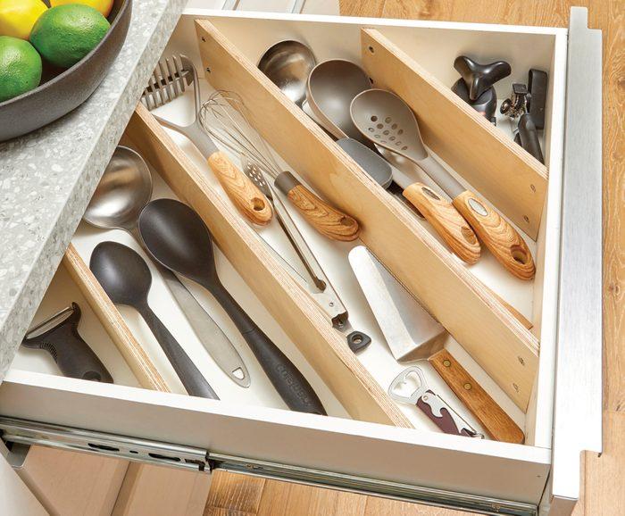 Diagonal drawer dividers Fh21mar 608 51 112