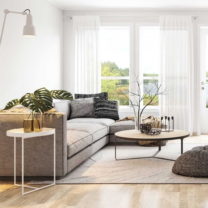 Living Room End Table Gettyimages 1037770124