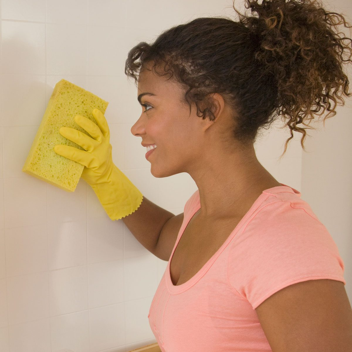 Prep by washing Walls Gettyimages 80284072