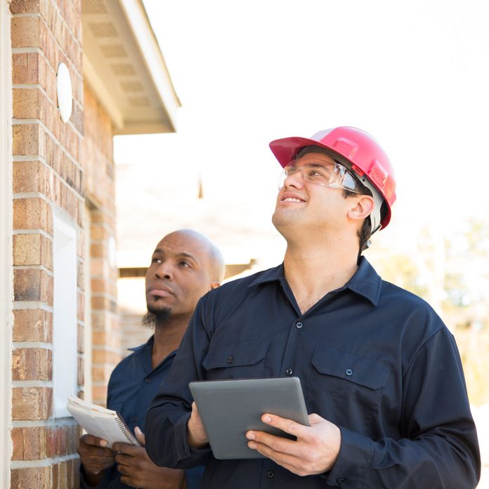 Home Inspectors Gettyimages 904272234