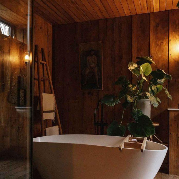 spa bathroom bath tub