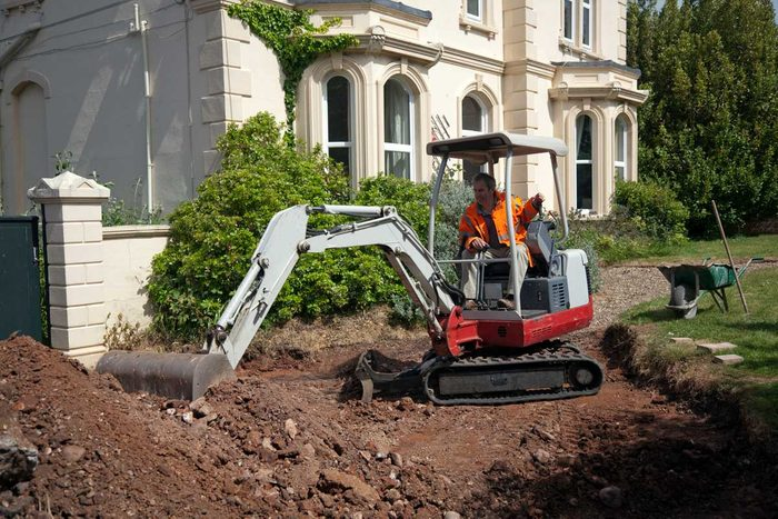 Install Landscaping Gettyimages 165848521