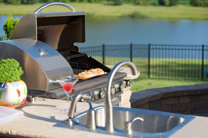 Outdoor Kitchen Gettyimages 488221463