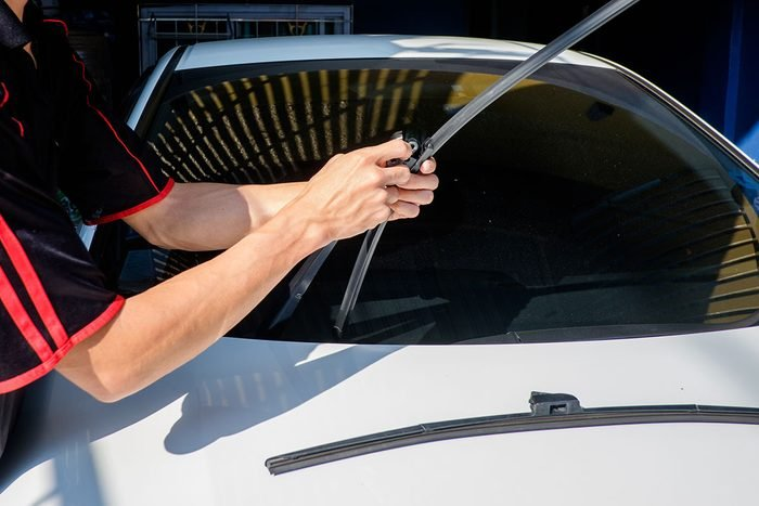 Replacing Windshield Wipers