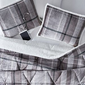 Best Bedding Sets for Cooler Fall Nights