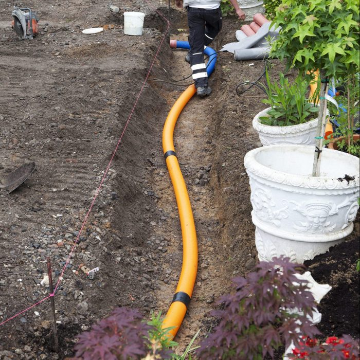 installing a french drain pipe